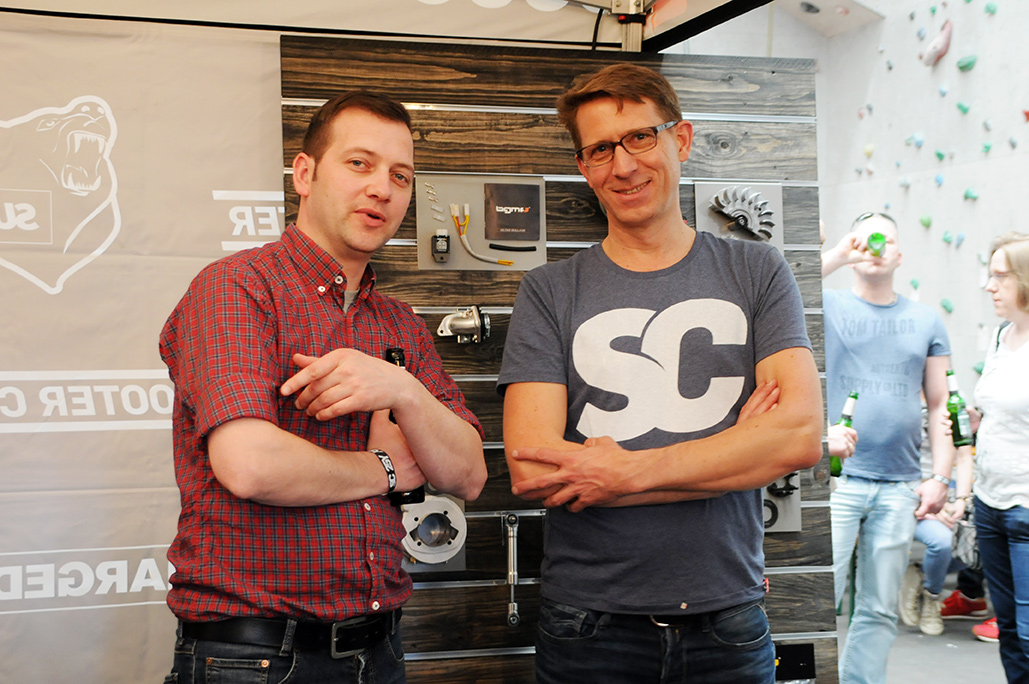 Ulf from Scooter Center (right)