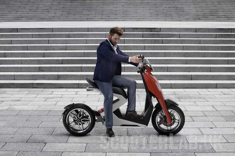New British electric i300 Zapp sports scooter first images   NEWS