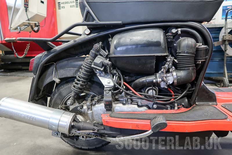 This KillerCase motor runs a TSR Evo exhaust with a special downpipe and MMW RS2000 muffler