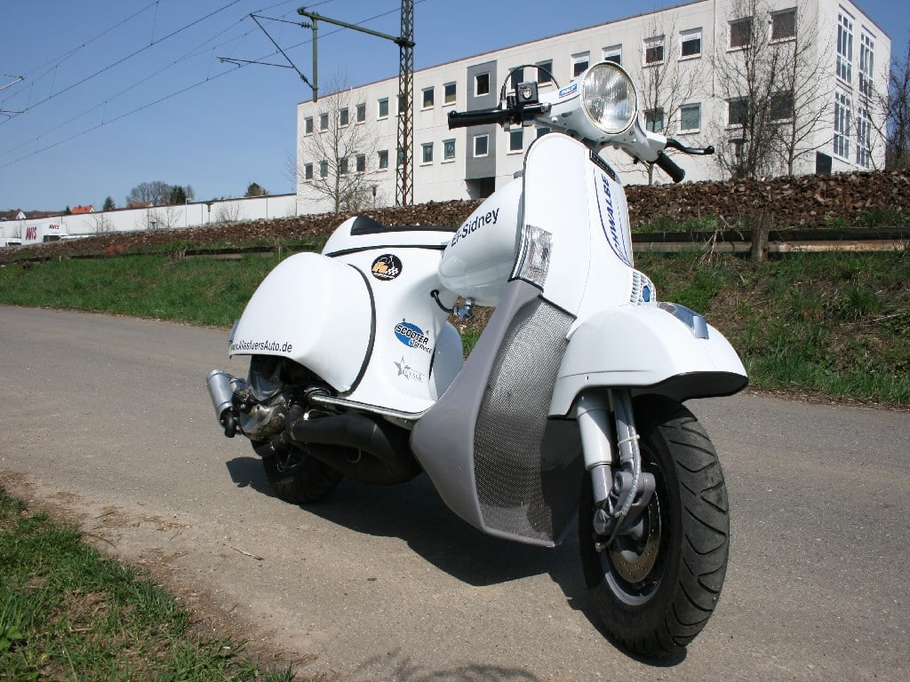 El Sidney - a 44hp Vespa and a claimed top speed in excess of 110mph